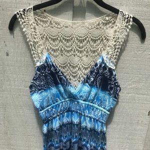 Poof Maxi crochet back Maxi Dress size small🌺